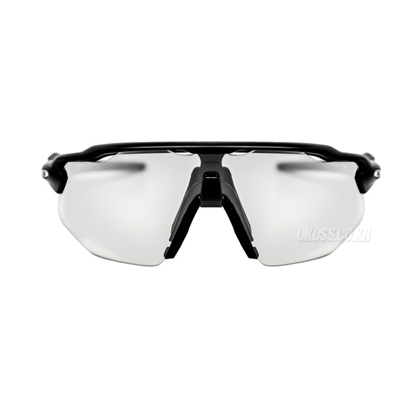 오클리 선글라스 레이다 EV 어드벤서 변색 OO9442-0638 OO9442-06 OAKLEY RADAR EV ADVANCER MATTE BLACK/CLEAR BLACK IRIDIUM PHOTOCHROMIC