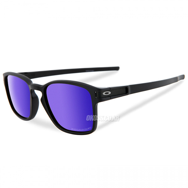 오클리 선글라스 래치 SQ 편광 OO9353-04_OAKLEY LATCH SQ MATTE BLACK/VIOLET IRIDIUM POLARISED